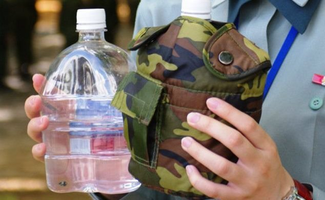 國軍塑膠水壺/聯合報系資料照