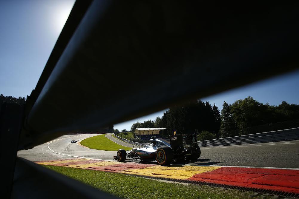 比利時的Spa-Francorchamps為高低起伏多彎的賽道。 賓士車隊提供