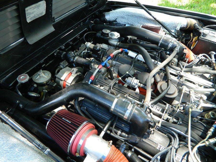 這輛400i的動力被經過大改造,也同時更新了許多耗材。 摘自Carscoops...