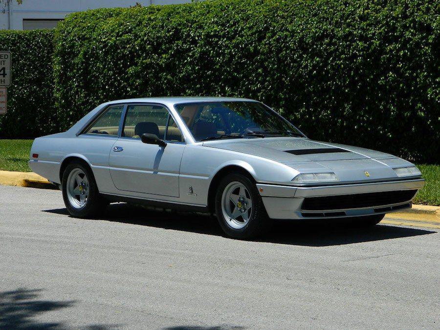 一輛Ferrari 400i被放到eBay上拍賣。 摘自Carscoops.c...