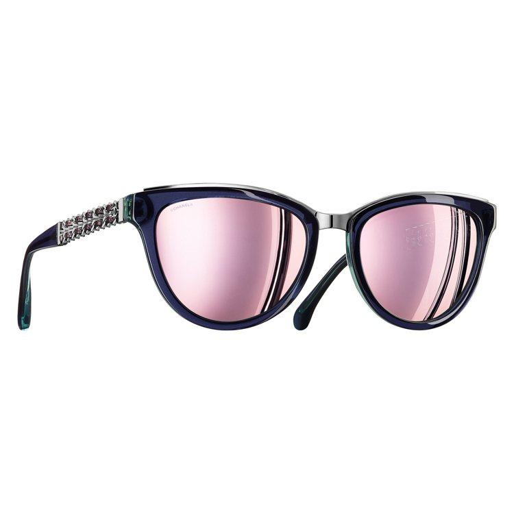 香奈兒COCO CHAIN系列眼鏡。圖/品牌提供