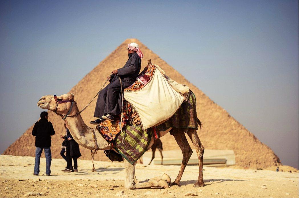 作為觀光產業的鼻祖,埃及人從希臘羅馬時代開始就在從事這行檔了。 圖/法新社