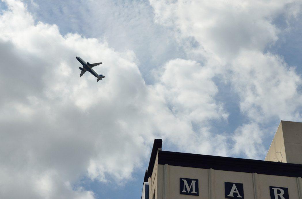 北皇后飛機噪音遽增 居民受不了搬走
