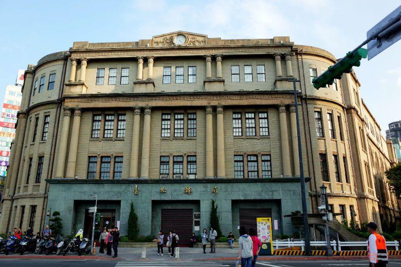 八月下旬中華郵政宣布了「北門郵局公辦都更案」,參考東京車站與JP Tower的雙...