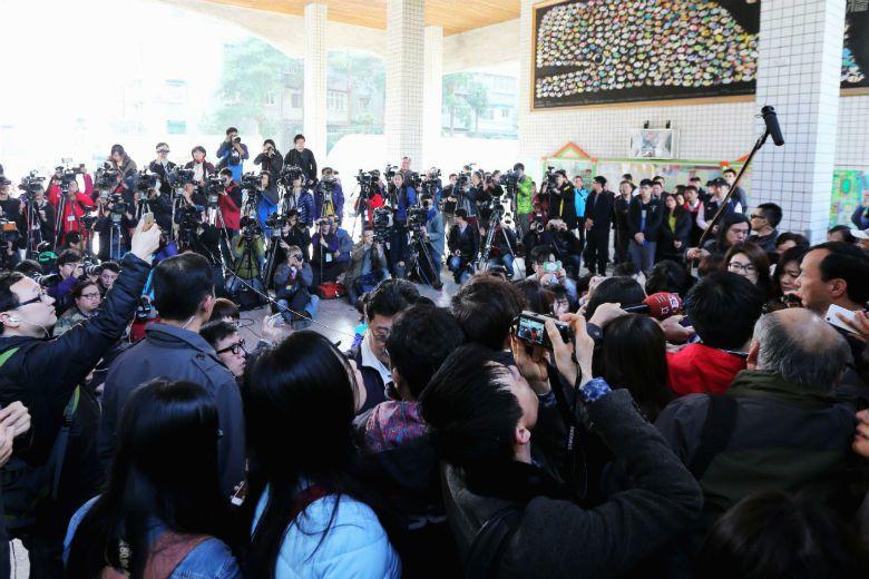 臺灣商業媒體早已惡質到淪為全球笑柄,究竟是記者個人的操守、水平問題,又或是「愛看...