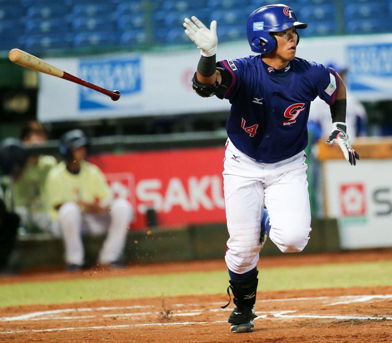 廖健富在2016年的亞洲U18青棒賽就展現出他的全壘打能力,並獲選最佳捕手。 聯...
