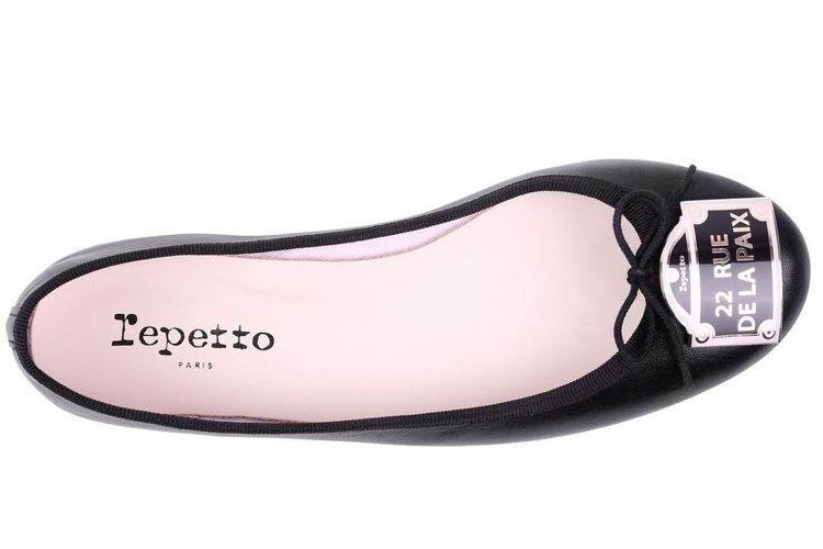經典門牌平底鞋,售價17,600元。圖/Repetto提供