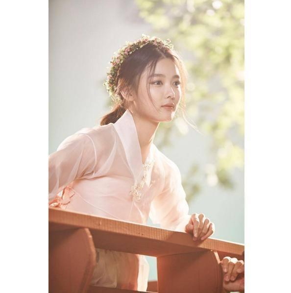 「雲畫的月光」裡的金裕貞,扮相極美。圖/摘自金裕貞台灣首站FB