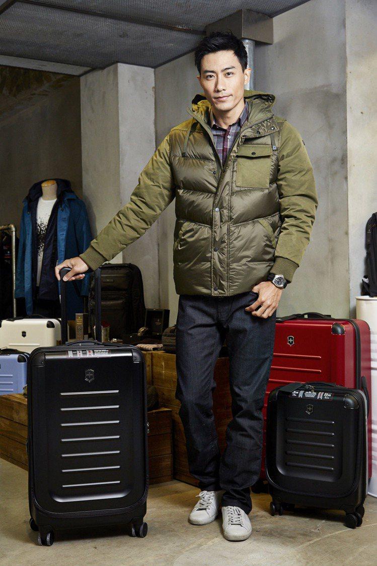 模特兒示範Victorinox最新款秋冬男裝系列。圖/Victorinox提供