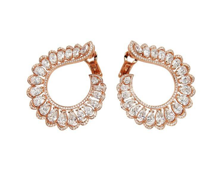 珍愛蕭邦系列耳環,18K玫瑰金材質,鑲嵌40顆11.93克拉梨形切割鑽石與0.9...