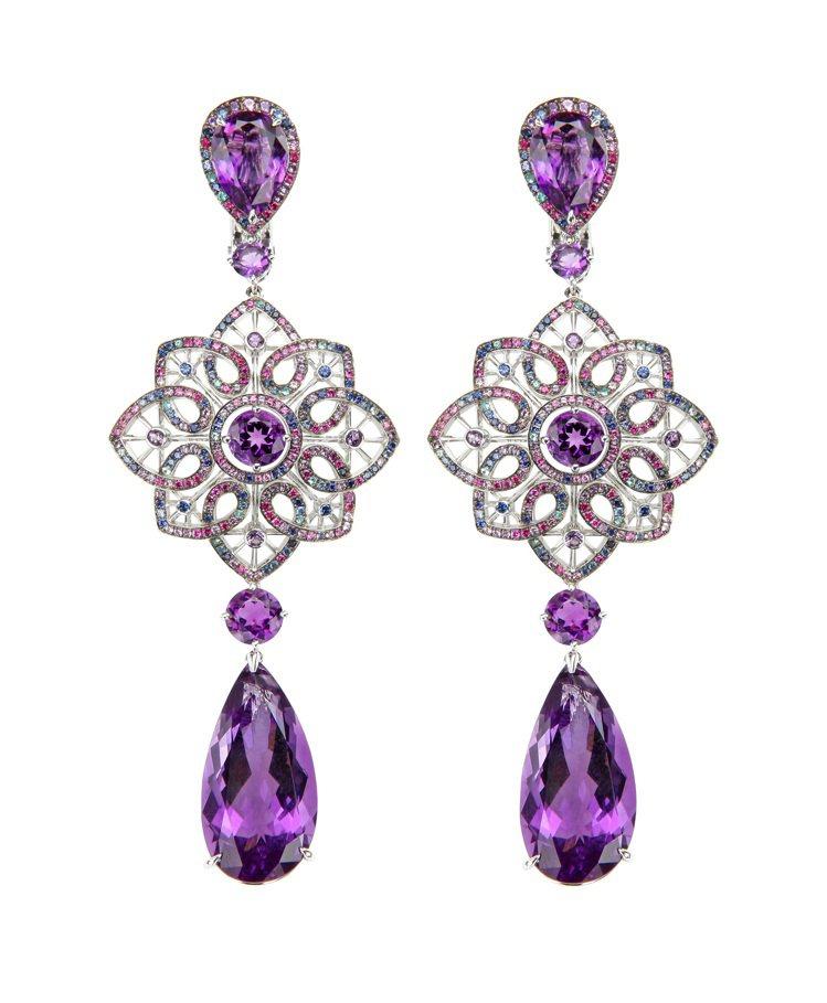 Temptation系列耳環,18K白金材質,鑲嵌4顆27.38克拉的梨形切割紫...