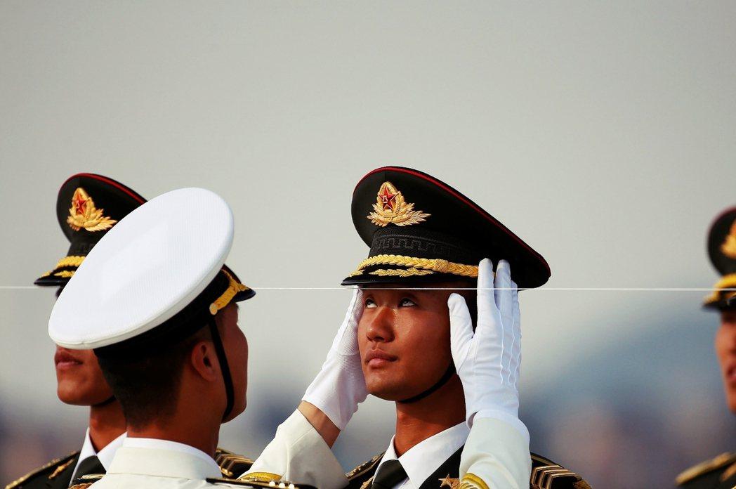 回歸最根本的問題,到底何謂「G20」?圖為杭州機場,為了迎接20國領袖到來的解放...