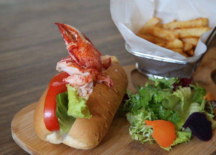花輪龍蝦艦艇是目前日本最夯的料理,每份售價650元。記者陳柏亨/攝影