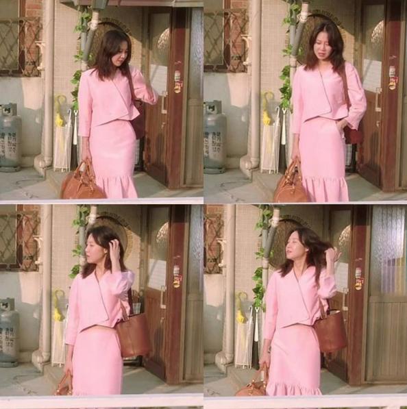孔曉振在「嫉妒的化身」中,背著自己設計的「Hyo Bag」包款。圖/摘自vinc...