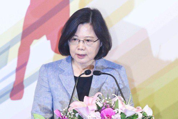 陳金鋒引退賽 蔡總統讚時代的台灣精神
