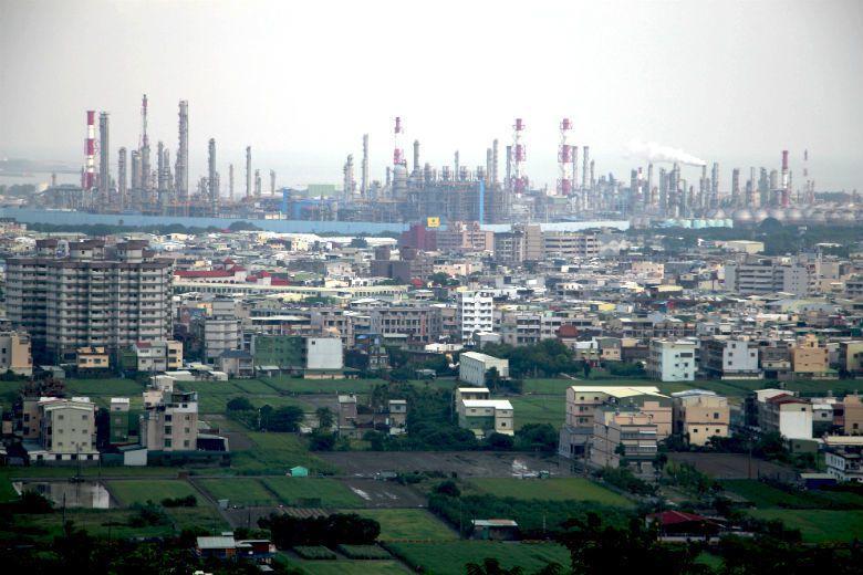 在中油五輕廠於2015年關廠後,經濟部門規劃將巨幅擴充三輕的產能,產能並超過原先...