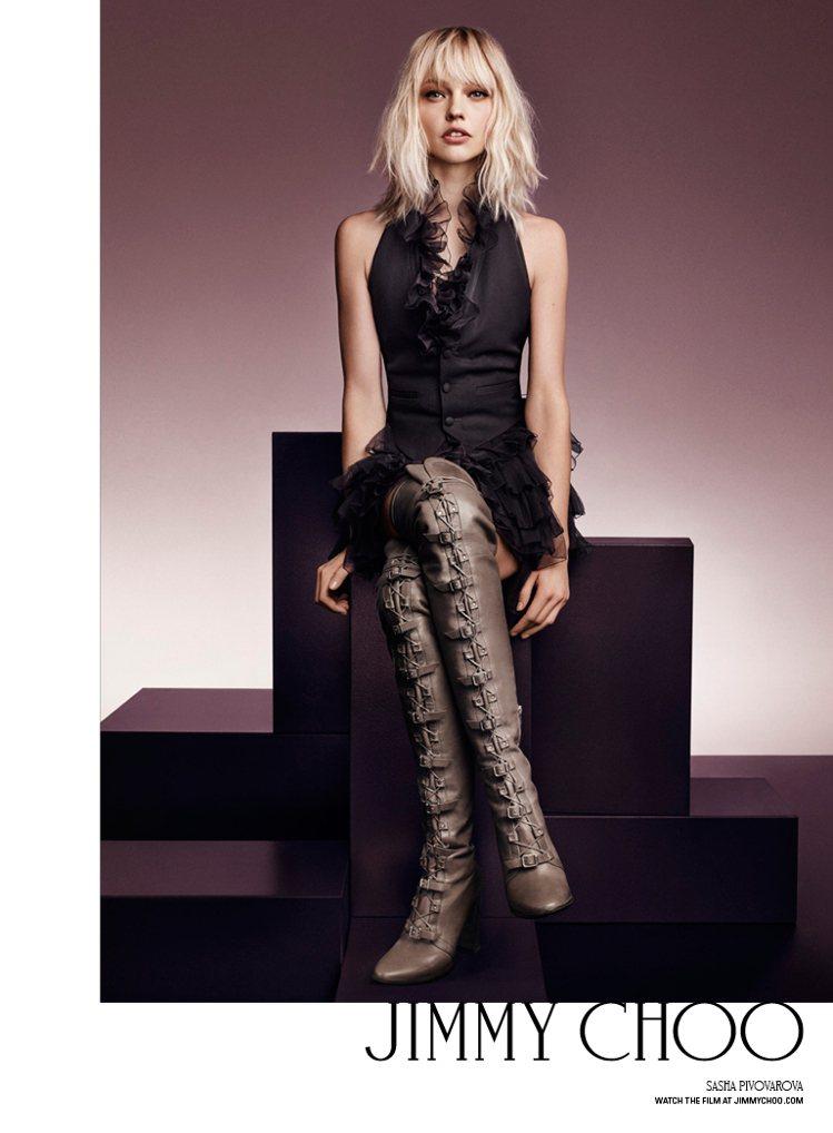 Jimmy Choo迎接品牌二十周年,找來七位知名模特兒入境秋冬廣告。俄羅斯精靈...