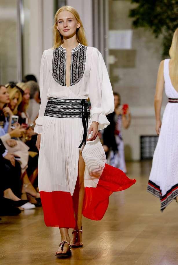 Oscar de la Renta以充滿南歐民俗風情的刺繡蕾絲詮釋奢華,風格優雅...