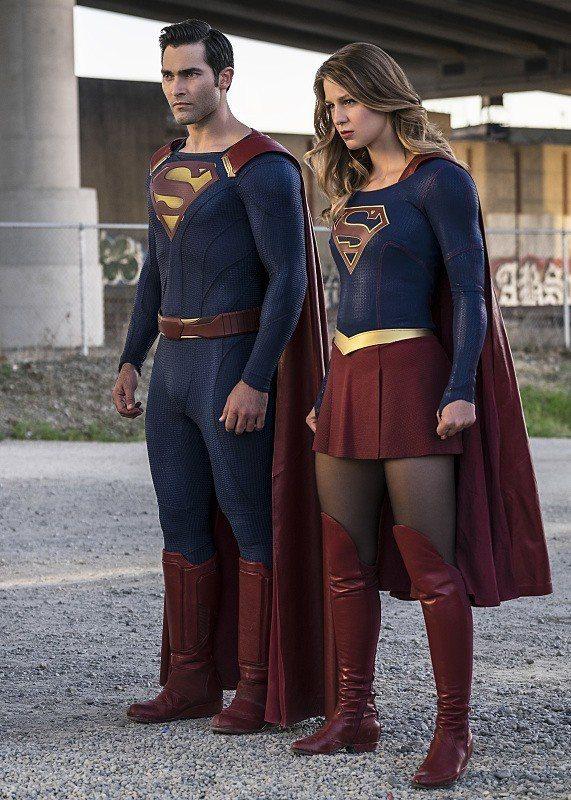 超人和女超人總算要在「女超人」第2季,首度合作出擊。圖/摘自EW