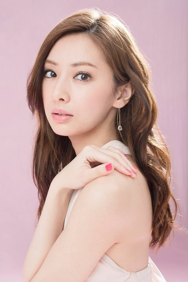 北川景子加入「我想吃掉你的胰臟」電影拍攝,將與小栗旬飾演未婚夫婦。圖/摘自北川景