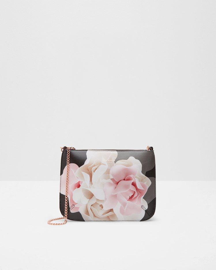 黑色花紋單肩小包,4,980元。圖/Ted Baker提供