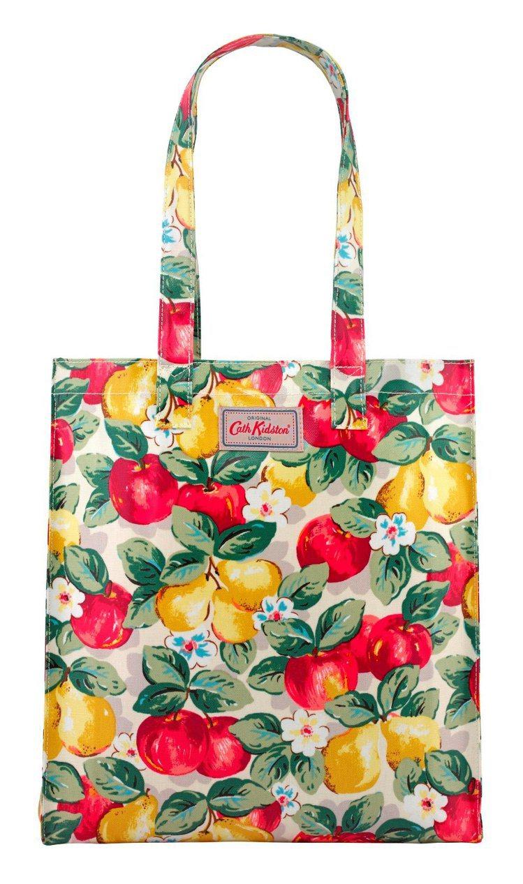 印花托特袋,1,280元。圖/Cath Kidston提供