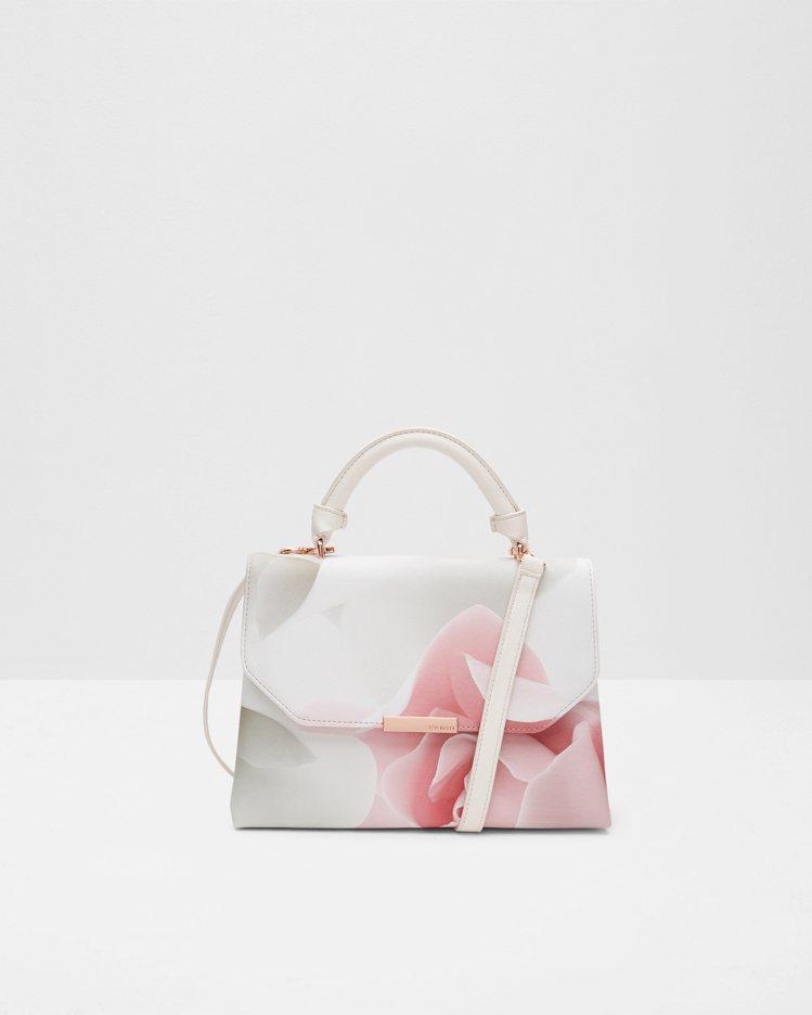 裸粉紅花紋單肩(提)包,6,980元。圖/Ted Baker提供