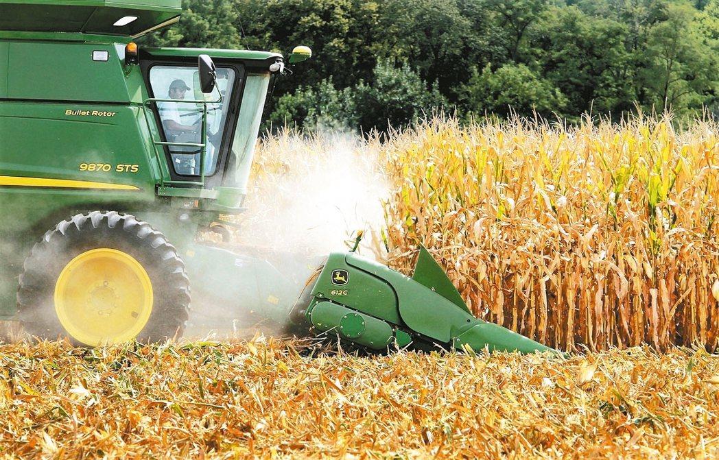 美國政府為了要擺脫對進口蔗糖的依賴,採取種種優惠措施,鼓勵國內生產「高果糖玉米糖...
