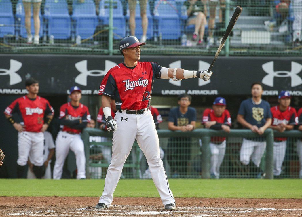 陳金鋒是否會加入中華隊教練團,他表明由經紀公司處理。