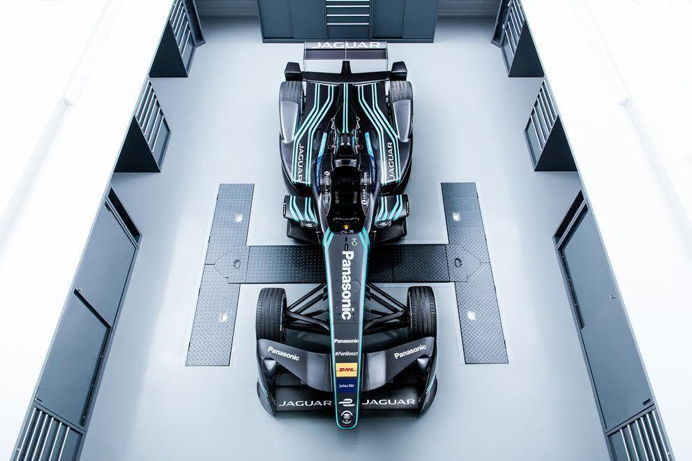 Jaguar 創建 80 年來,第一部純電動賽車 I-TYPE 1 日前正式公開...