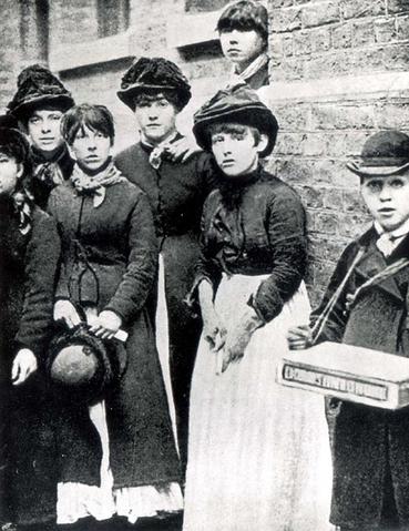 一般人都認為貝森是這場成功抗爭的主導者,但事實上在貝森參與之前,這群火柴女工們就...