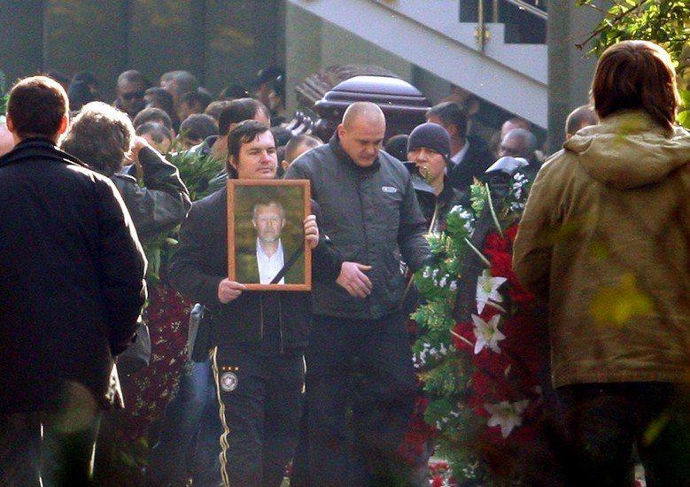 2009年俄羅斯黑手黨教父伊萬科夫(Vyacheslav ivankov)喪禮,場面盛大。 圖/路透社