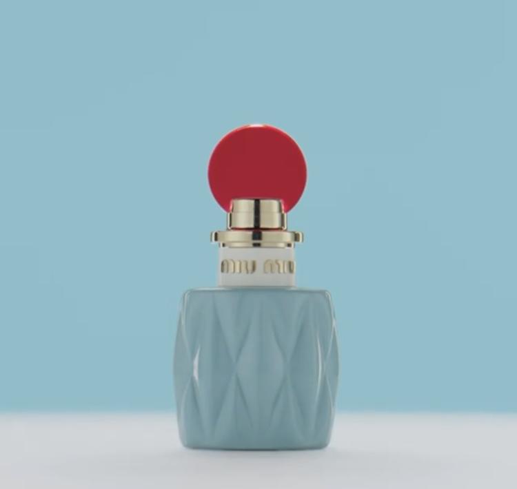 Miu Miu髮香噴霧30ml的小包裝設計,能隨身攜帶補香。圖/摘自Miu Mi...