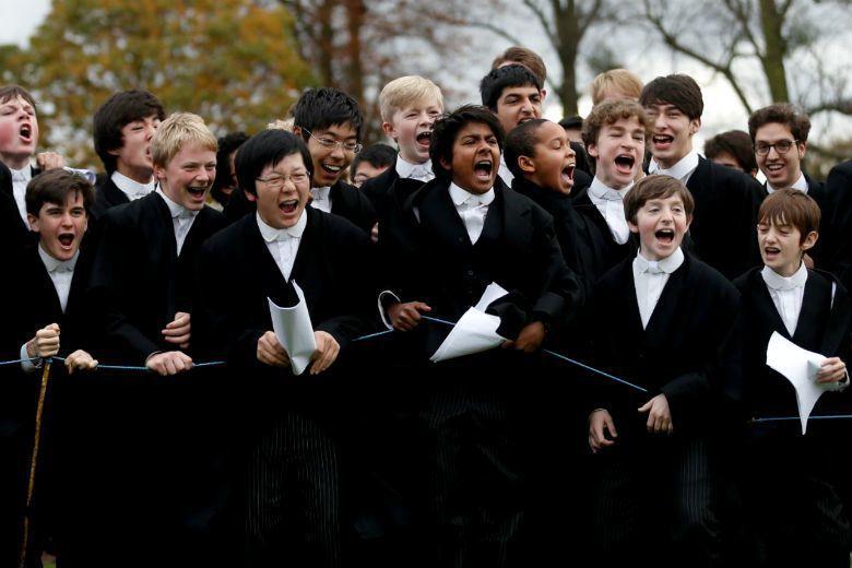 英國新任首相梅伊宣布將鬆綁廢止公立菁英中學,讓學童有更公平的受教機會。為什麼英國...