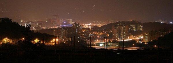 山水綠生態公園位在山坡上,在晚上時可以鳥瞰南港的夜景,成為另一個不錯的賞夜景點。...