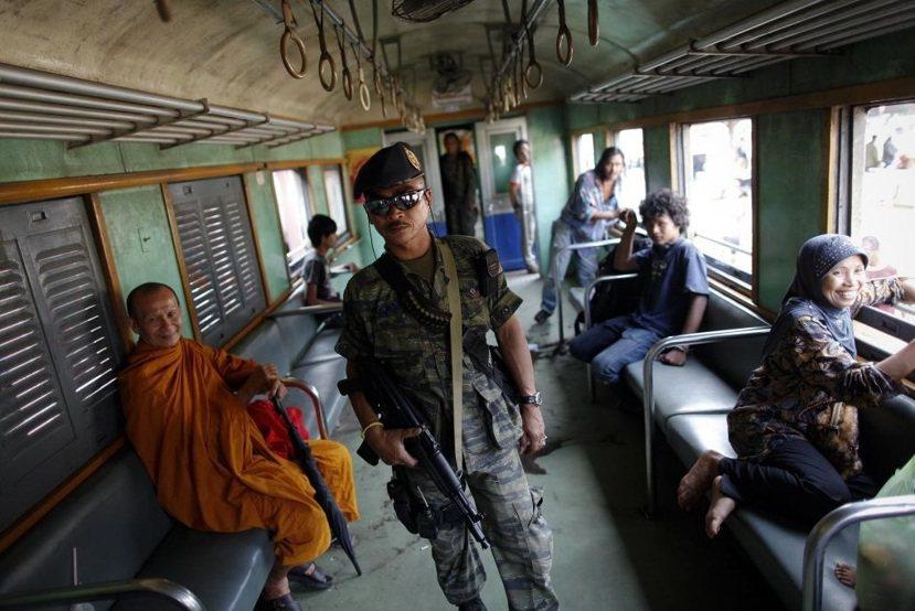 南泰分離主義者訴求行使伊斯蘭教法統治,但高度自治的狀態等於半獨立,且與泰國精神上...