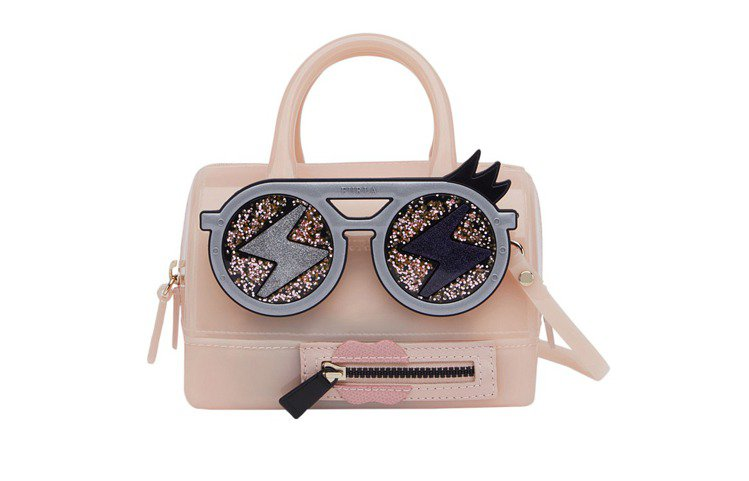 CANDY FURLA GANG SWEETIE MINI包款,18800元。圖...