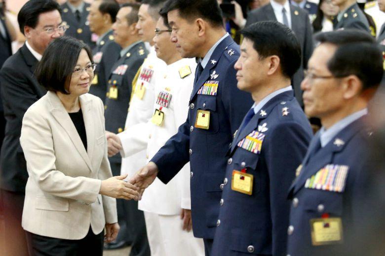 台灣過往女性將軍只出現過六位,國軍近年來持續推動各項講座活動,以建立更進步的性別意識,但或許只有讓兩性共處生活在同一個環境,才能認識到實際的問題。 攝影/記者林澔一