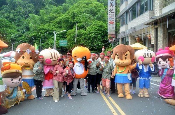 台南觀光產官各界大力行銷關子嶺溫泉等景點,吸引國內外遊客前來。 圖/本報資料照片