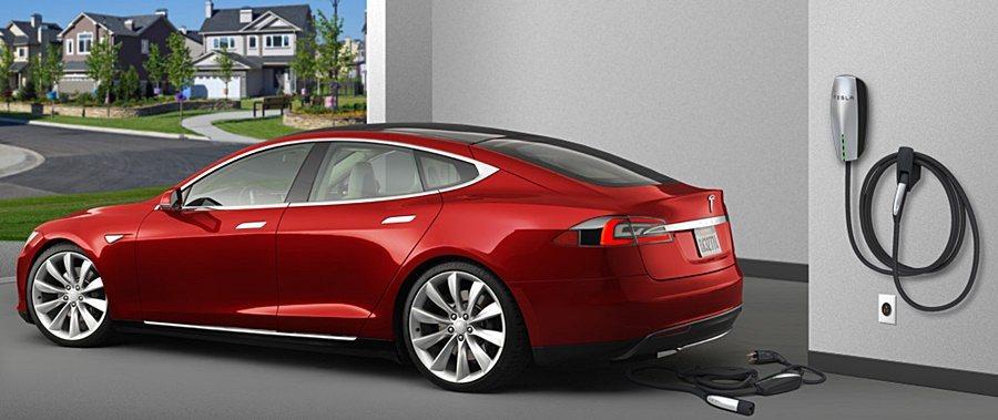 家用壁掛式充電座。 Tesla提供