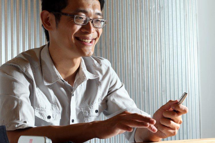專訪寫字達人葉曄。記者陳立凱/攝影