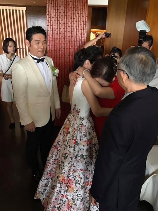 號稱從不會緊張的陳怡蓉在告別父母時忍不住淚灑現場。圖/擷自臉書