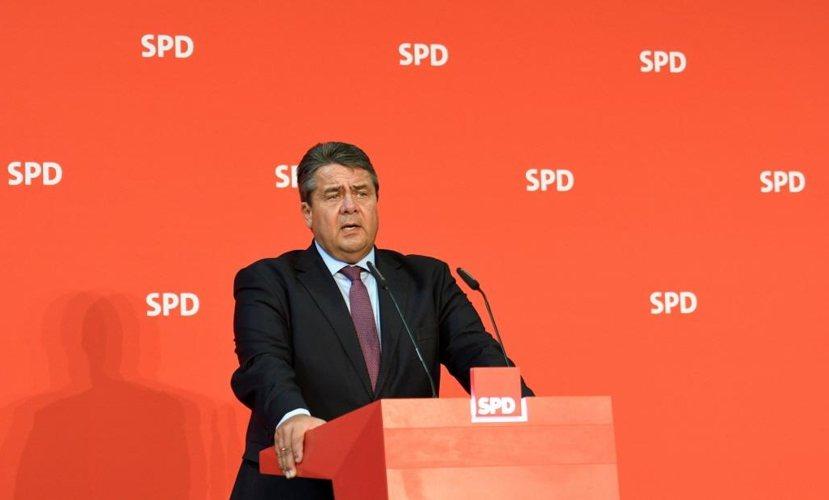 梅克爾的貴人第二號:社民黨(SPD)黨魁嘉布瑞爾,也是梅克爾最佳穩定與支持效果的...