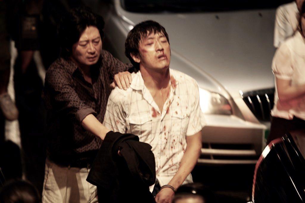 在柳永哲尚未落網之際,韓國社會不斷地妖魔化柳永哲。不能解釋為何有這樣的異類存在,...