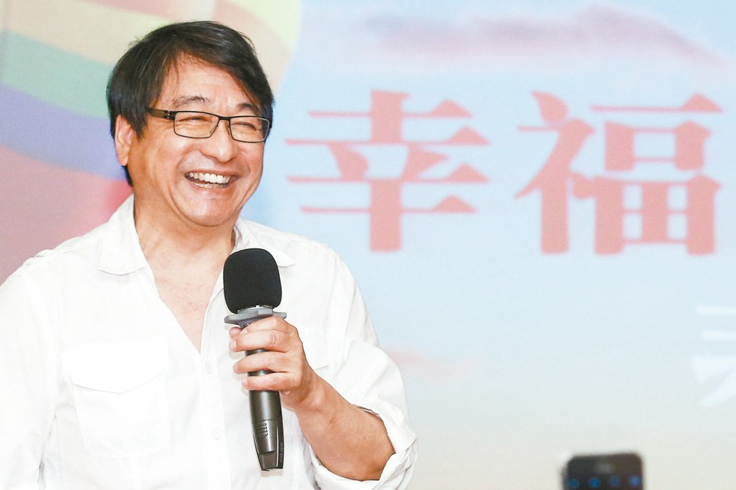 六十六歲的李濤(圖)對「老」的觀點相當前衛,他相信醫學科技能讓未來人類活到二百歲...