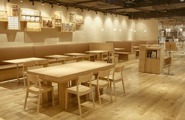Cafe&Meal MUJI台中店空間57坪,共72個席位。圖/MUJI提供