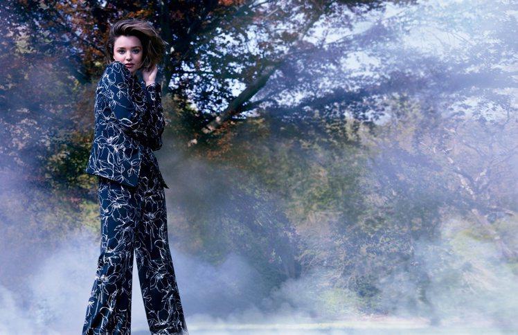 米蘭達柯爾為MARELLA拍攝2016秋冬形象廣告。圖/MARELLA提供