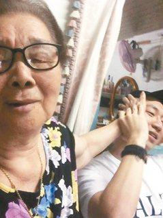 奶奶來了!「金孫力」讓潮嬤成臉書網紅