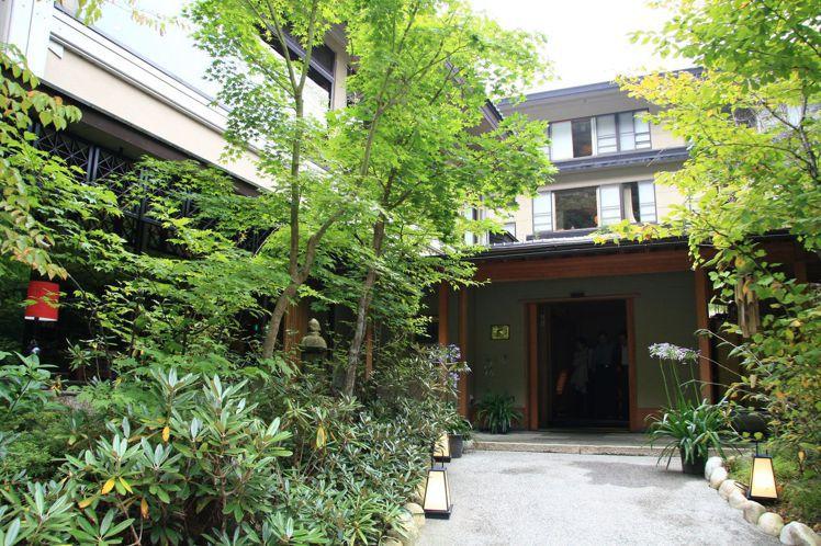 日本湯宿「一泊二食」,無論泡湯、飲食、休憩都有一定規矩。圖/天下文化提供