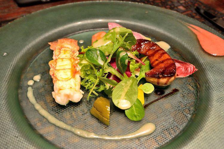 「富岳群青」的餐廳以法國菜為主搭配地方食材與和食。圖/天下文化提供